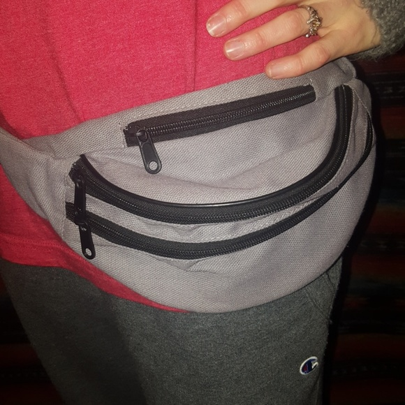 dbeb4ec9d0b9 Awesome vintage fanny pack. M_5c62336aaaa5b8ed6c451e3d